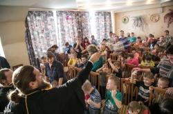 Архиереи поздравили воспитанников детских домов и интернатов с праздником Рождества Христова