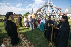 Освящены кресты и купола строящегося монастырского храма во имя cвятого апостола и евангелиста Иоанна Богослова